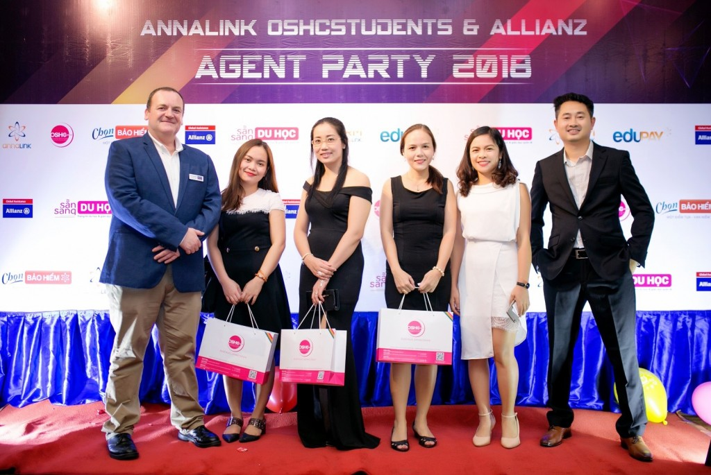 Annalink-oshcstudents-allianz-agent party-HCM-2018 (6)