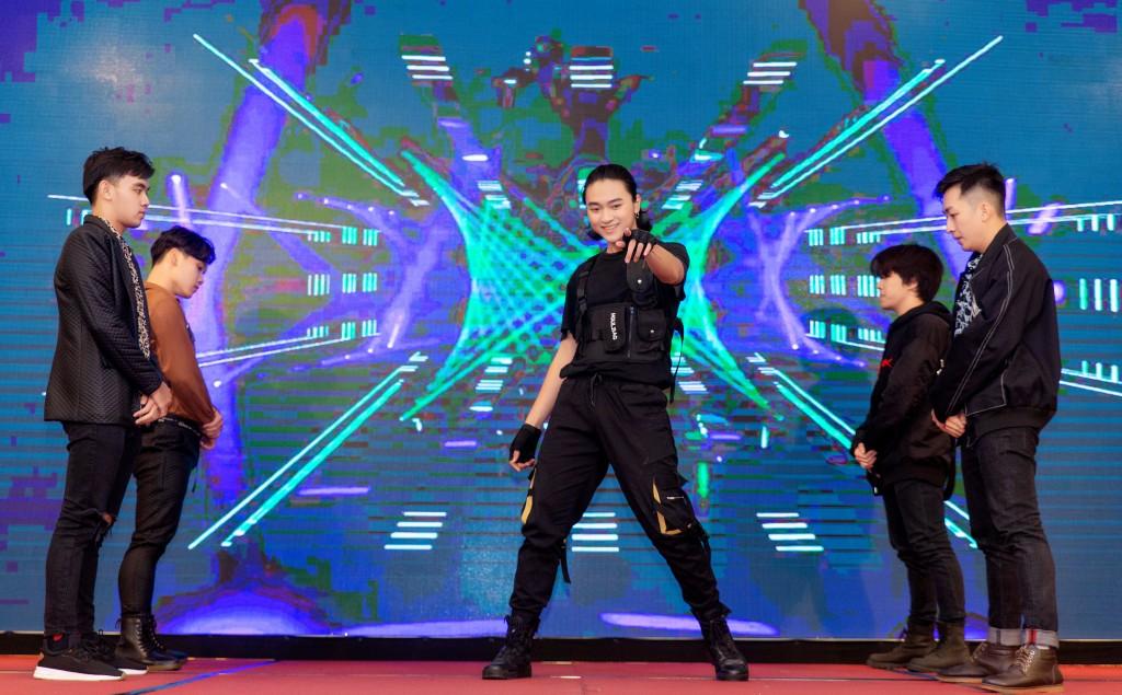 Màn trình diễn đặc biệt của nhóm nhạc G.o.d dance với bài Jopping